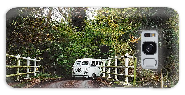 Vw Bus Galaxy Case - Splitscreen Over Tewin Bridge by Gemma Knight