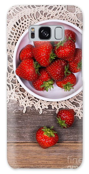 Picnic Table Galaxy Case - Strawberry Vintage by Jane Rix