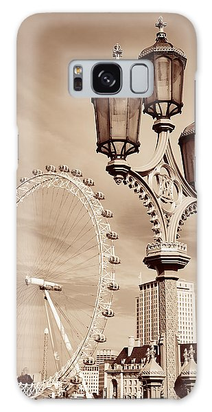 Vintage Lamp Post Galaxy Case