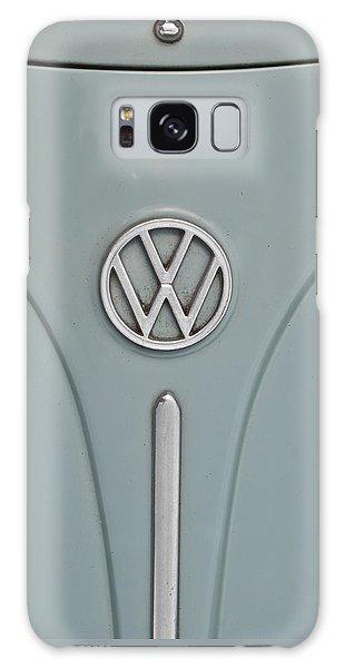 1965 Volkswagen Beetle Hood Emblem Galaxy Case by Jani Freimann
