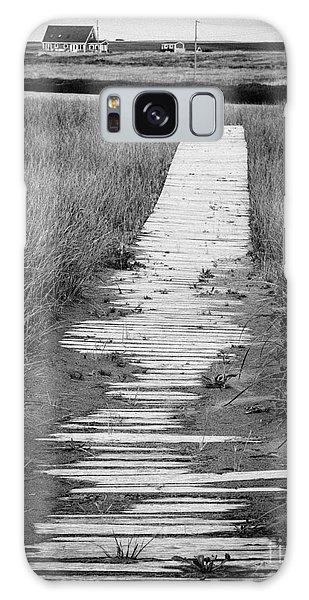 Cottage Galaxy Case - Boardwalk Through The Dunes by Edward Fielding
