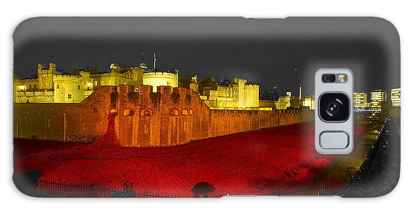 Poppies Tower Of London Night   Galaxy Case