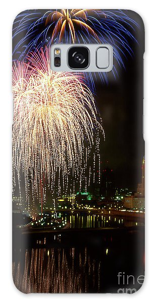 21l106 Red White And Boom Fireworks Photo Galaxy Case
