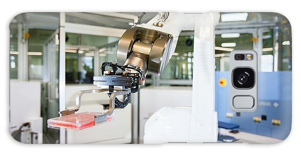 Biomedical Engineering Galaxy Case - Phenotypic Screening Laboratory Robot by Lewis Houghton/science Photo Library