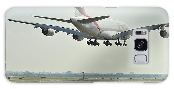 A 3800 Landing Emirates Galaxy Case