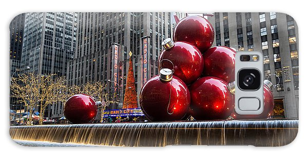 A Christmas Card From New York City - Radio City Music Hall And The Giant Red Balls Galaxy Case