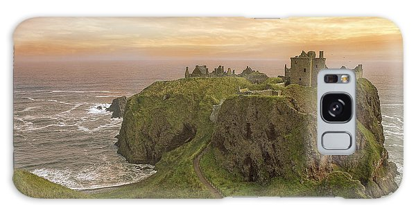 A Dunnottar Castle Sunrise - Scotland - Landscape Galaxy Case