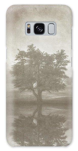 Fog Galaxy Case - A Tree In The Fog 3 by Scott Norris
