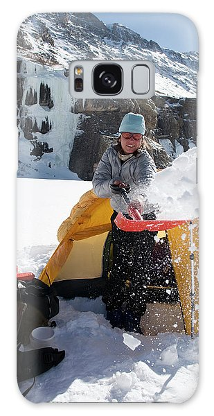 Sangre De Cristo Galaxy S8 Case - A Woman Shovelling Snow Away by Kennan Harvey