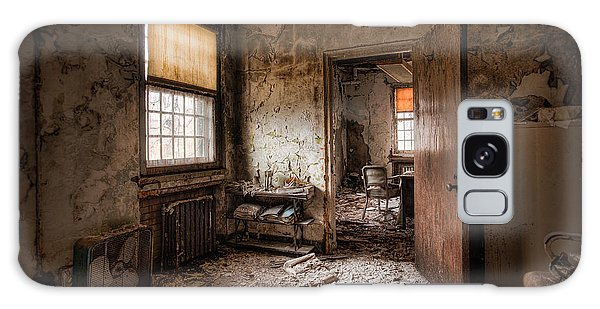 Abandoned Asylum - Haunting Images - What Once Was Galaxy Case