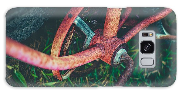 Rusty Chain Galaxy Case - Abandoned Rusty Bike by Mr Doomits