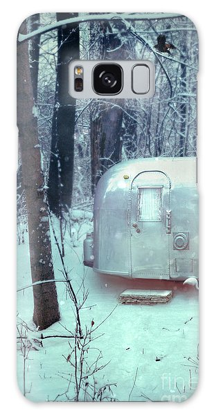 Airstream Trailer In Snowy Woods Galaxy Case