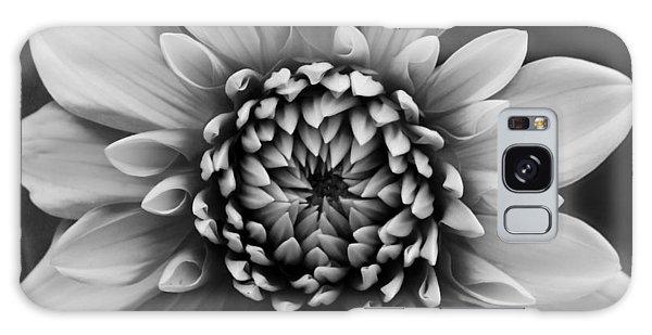 Ala Mode Dahlia In Black And White Galaxy Case