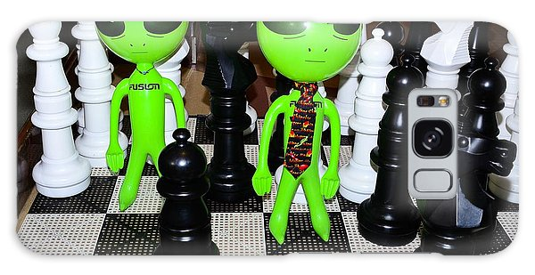 Aliens Playing Chess Galaxy Case
