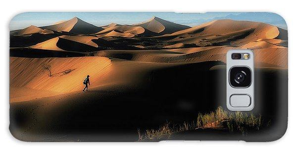 Sand Dunes Galaxy Case - Alone In Nature by Babak Mehrafshar (bob)
