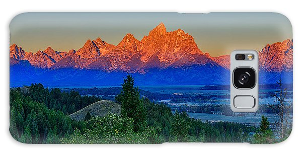 Alpenglow Across The Valley Galaxy Case