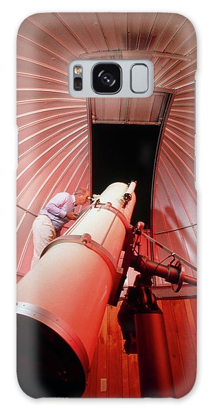 Amateur Galaxy Case - Amateur Astronomer Uses A Reflector Telescope by Ed Young/science Photo Library