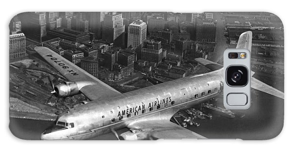 American Dc-6 Flying Over Nyc Galaxy Case