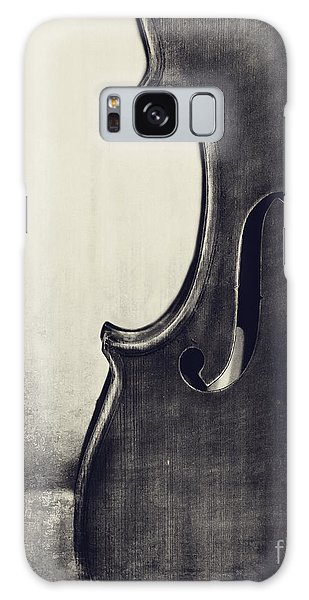 Violin Galaxy Case - An Old Violin In Black And White by Emily Kay