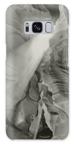 Antelope Canyon Light Black And White Galaxy Case