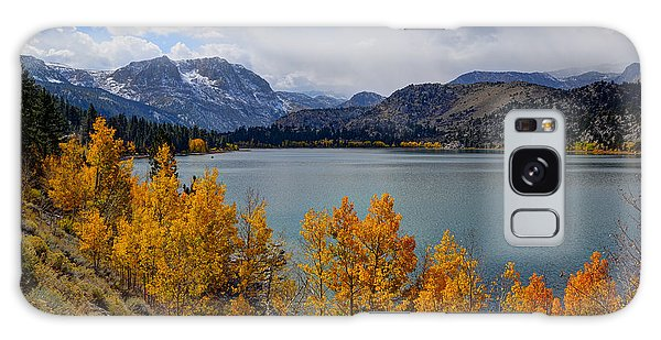 Autumn Beauty At June Lake Galaxy Case