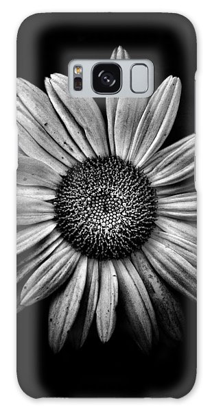 Backyard Flowers In Black And White 13 Galaxy Case