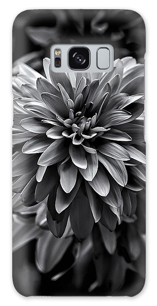 Backyard Flowers In Black And White 15 Galaxy Case