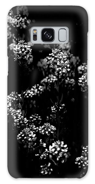 Backyard Flowers In Black And White 33 Galaxy Case