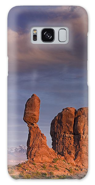 Balanced Rock At Sunset Galaxy Case