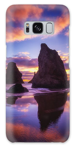 Sea Stacks Galaxy Case - Bandon's Sunset Light Show by Darren  White