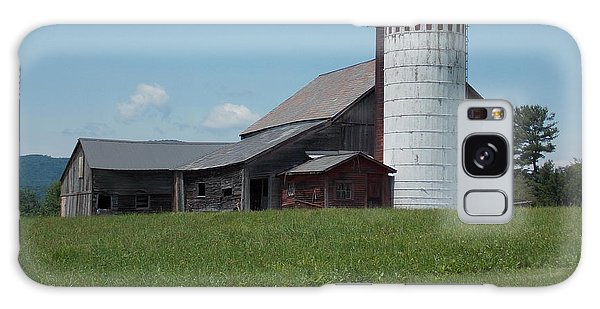 Barn And Silo In Vermont Galaxy Case