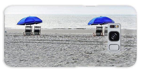 Beach Umbrellas On A Cloudy Day Galaxy Case