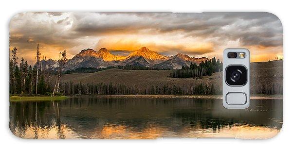 Haybale Galaxy Case - Beautiful Sunrise On Little Redfish Lake by Robert Bales