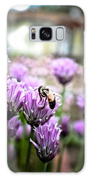 Bee In The Chives Galaxy Case
