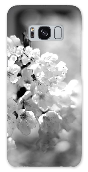 Black And White Blossoms Galaxy Case