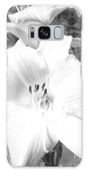 Black And White Hibiscus  By Saribelle Rodriguez Galaxy Case by Saribelle Rodriguez
