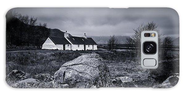 Black Rock Cottage - Glencoe Galaxy Case by Stephen Taylor