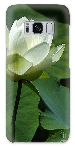 Blooming White Lotus Galaxy Case