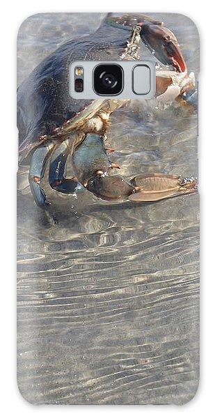 Blue Crab Chillin Galaxy Case
