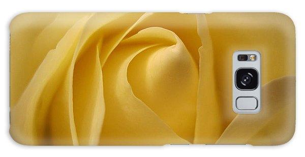 Blushing Cream Rose  Galaxy Case