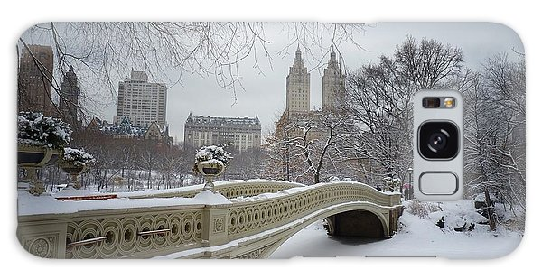 City Scenes Galaxy S8 Case - Bow Bridge Central Park In Winter  by Vivienne Gucwa