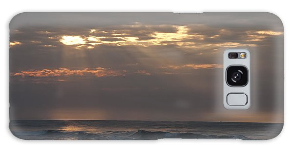 Breaking Dawn Galaxy Case - Breaking Sun On The Beach by Bill Cannon