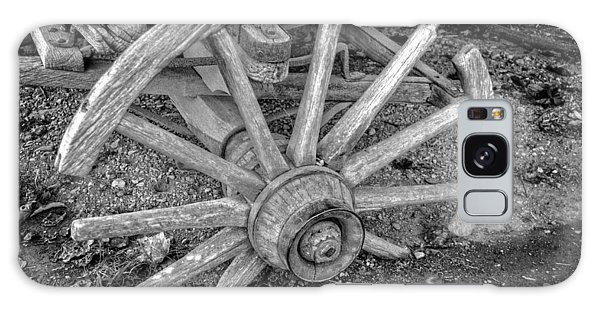 Broken Wagon Wheel In Black And White Galaxy Case