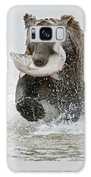 Salmon Galaxy S8 Case - Brown Bear With Salmon Catch by Gary Langley