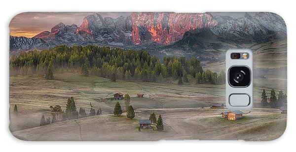 Cottage Galaxy Case - Burning Mountains Over The Frozen Valley by Peter Svoboda, Mqep
