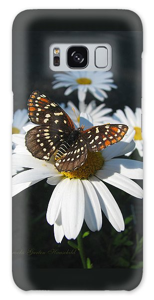 Butterfly And Shasta Daisy - Nature Photography Galaxy Case
