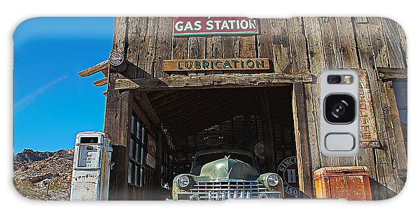 Galaxy Case featuring the photograph Cadillac In A Chevron Station 5 by James Sage