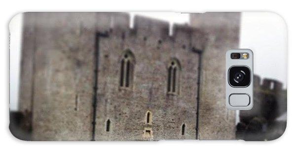 Vw Bus Galaxy Case - Caerphilly Castle by Alex Nagle