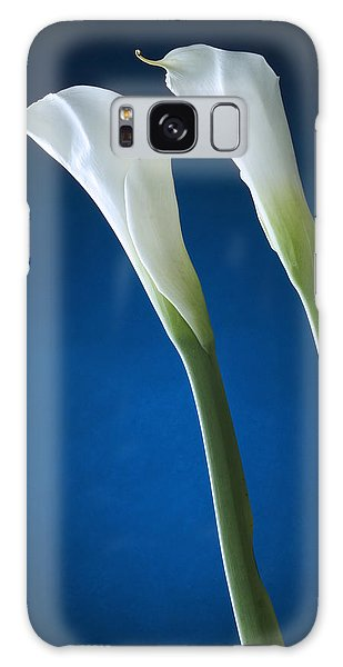Calla Lily On Blue Galaxy Case