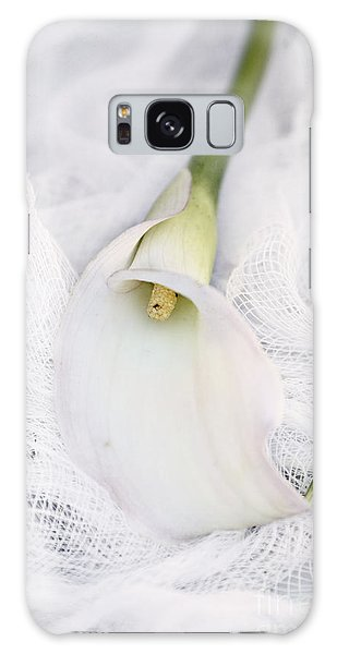 Calla Lily On White Background Galaxy Case